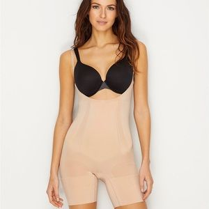 SPANX open-bust mid-thigh Bodysuit (New with Tags)